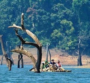 Periyar_Bamboo_rafting_Thekkady