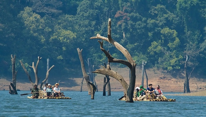 Periyar_Bamboo_rafting_Thekkady1