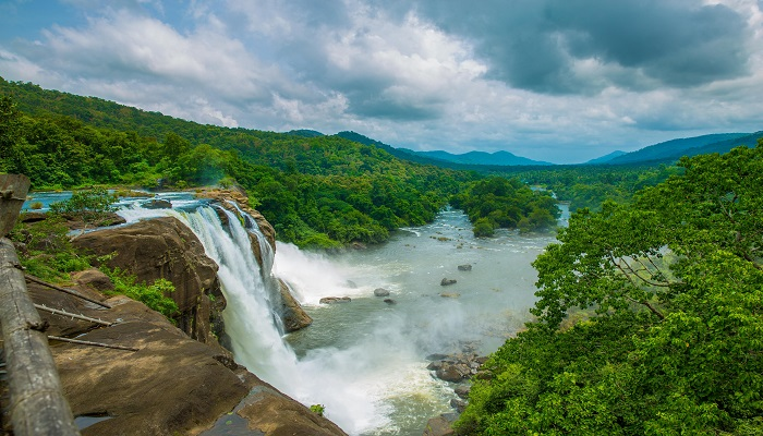 View_of_the_Athirapally_Falls